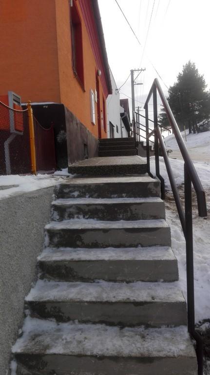 Oprava schodov na OcÚ